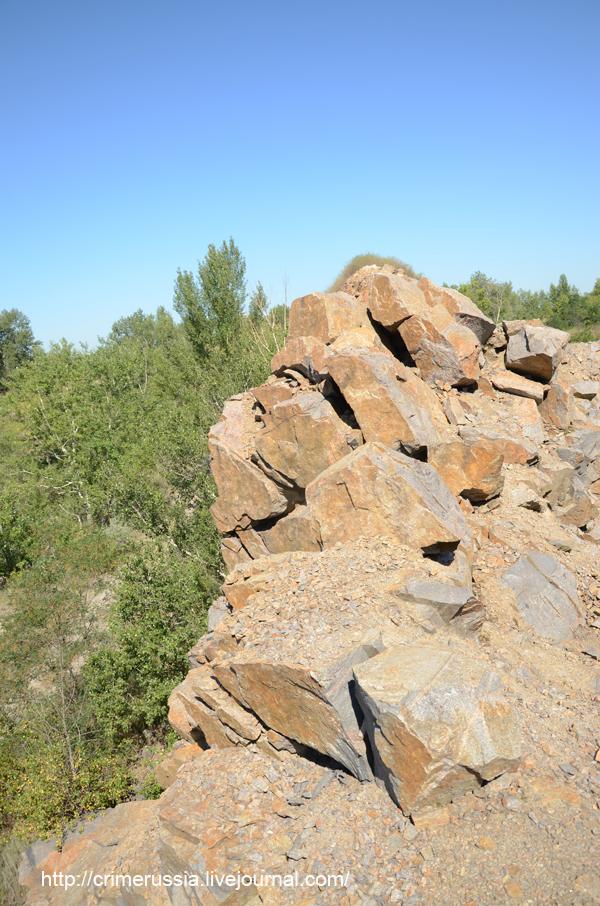 камни глыбы