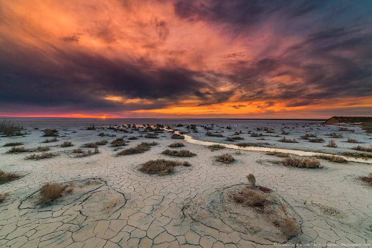 Озеро Эльтон: Марс атакует! (32 фото)