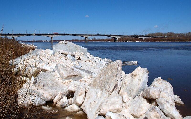 ледяные завалы и старый мост P4202019