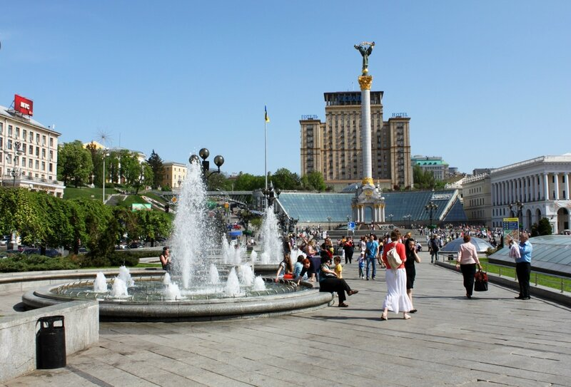 Аллея фонтанов на Майдане Незалежности