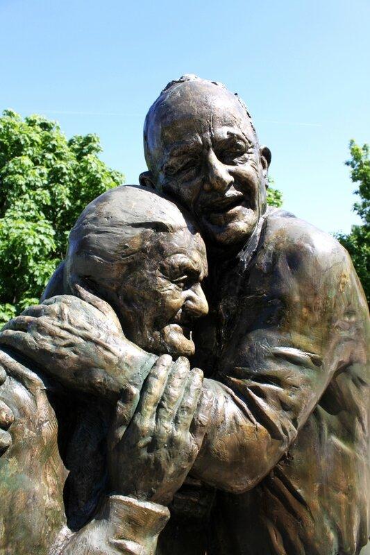 Памятник Луиджи и Мокрине в Хрещатом парке
