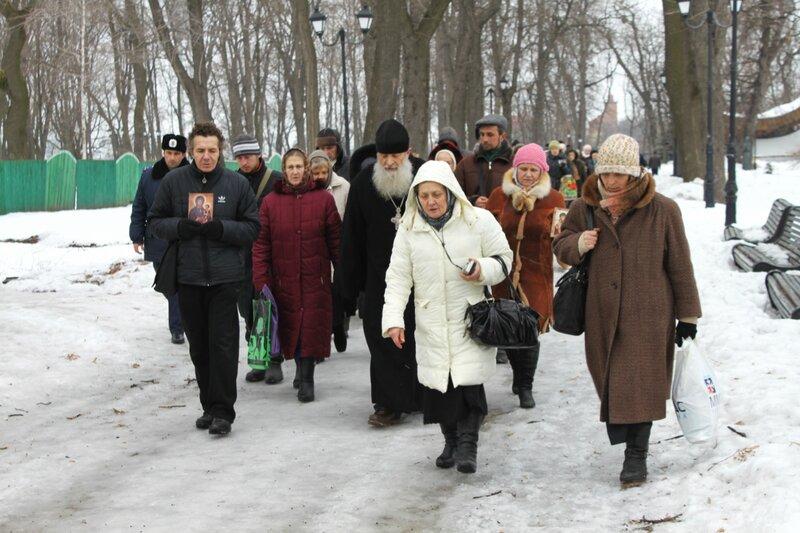 Участники Крестного хода в честь 400 летия Дома Романовых