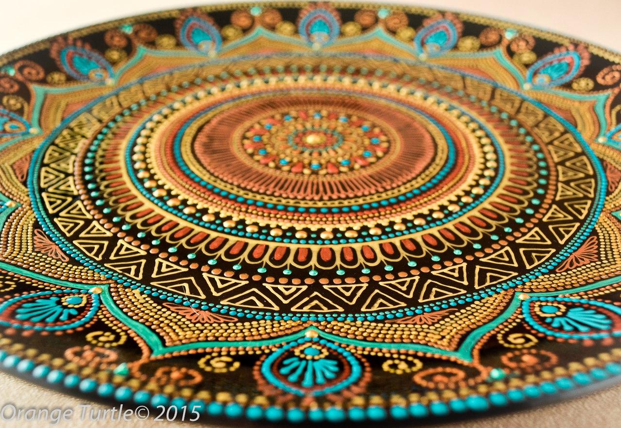 Роспись тарелки точечным рисунком