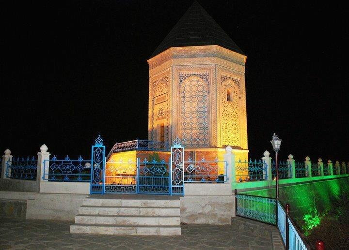 Мавзолей праотца Ноя в городе Нахичевань. Азербайджан.