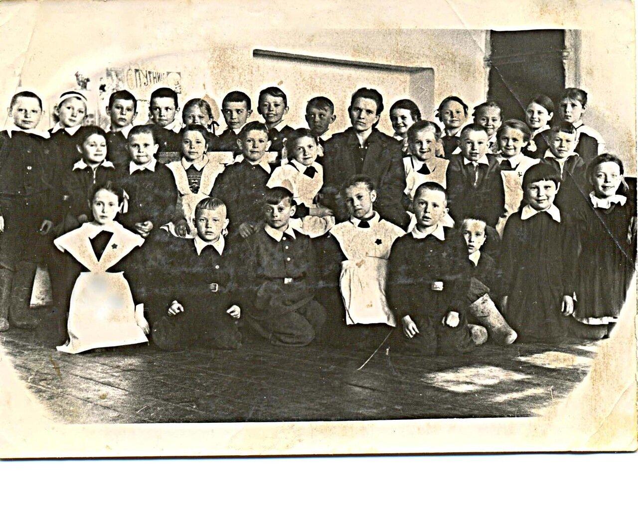 33. В классе с Екатериной Ивановной Агаповой