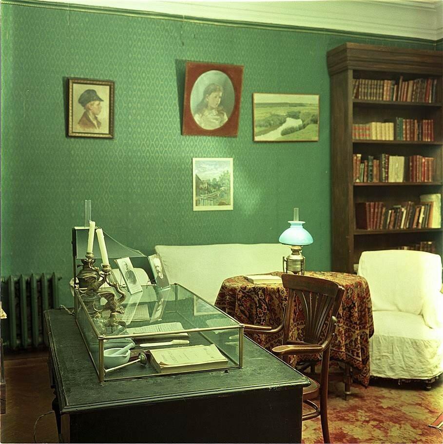 1954 Дом, где Чехов жил с 1886 по 1889 г. Исаак Тункель. Огонёк.jpg