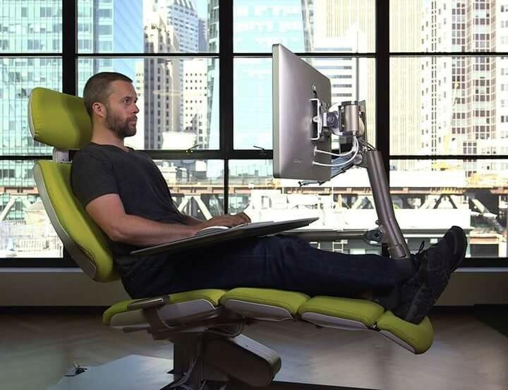 Рабочая станция для компьютера с креслом