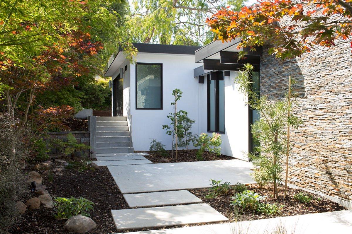 Klopf Architecture, Atrium House, панорамное остекление частный дом, частный дом атриум, оформление двора частного дома, озеленение двора частного дома