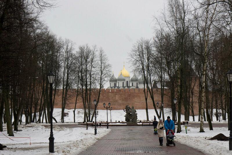 2016-03-06_064, Великий Новгород, Кремлёвский парк.jpg