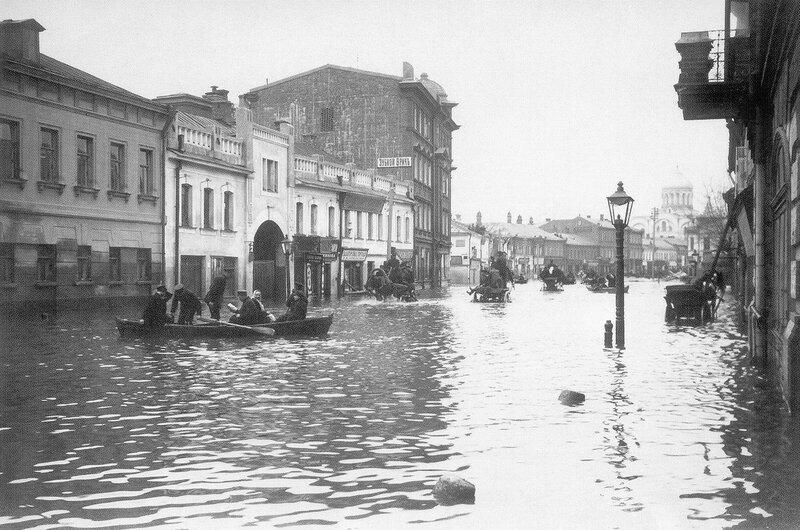 20583 Большая Дорогомиловская во время наводнения 1908 года А.Ф.Тарасов ЦИГИ.jpg