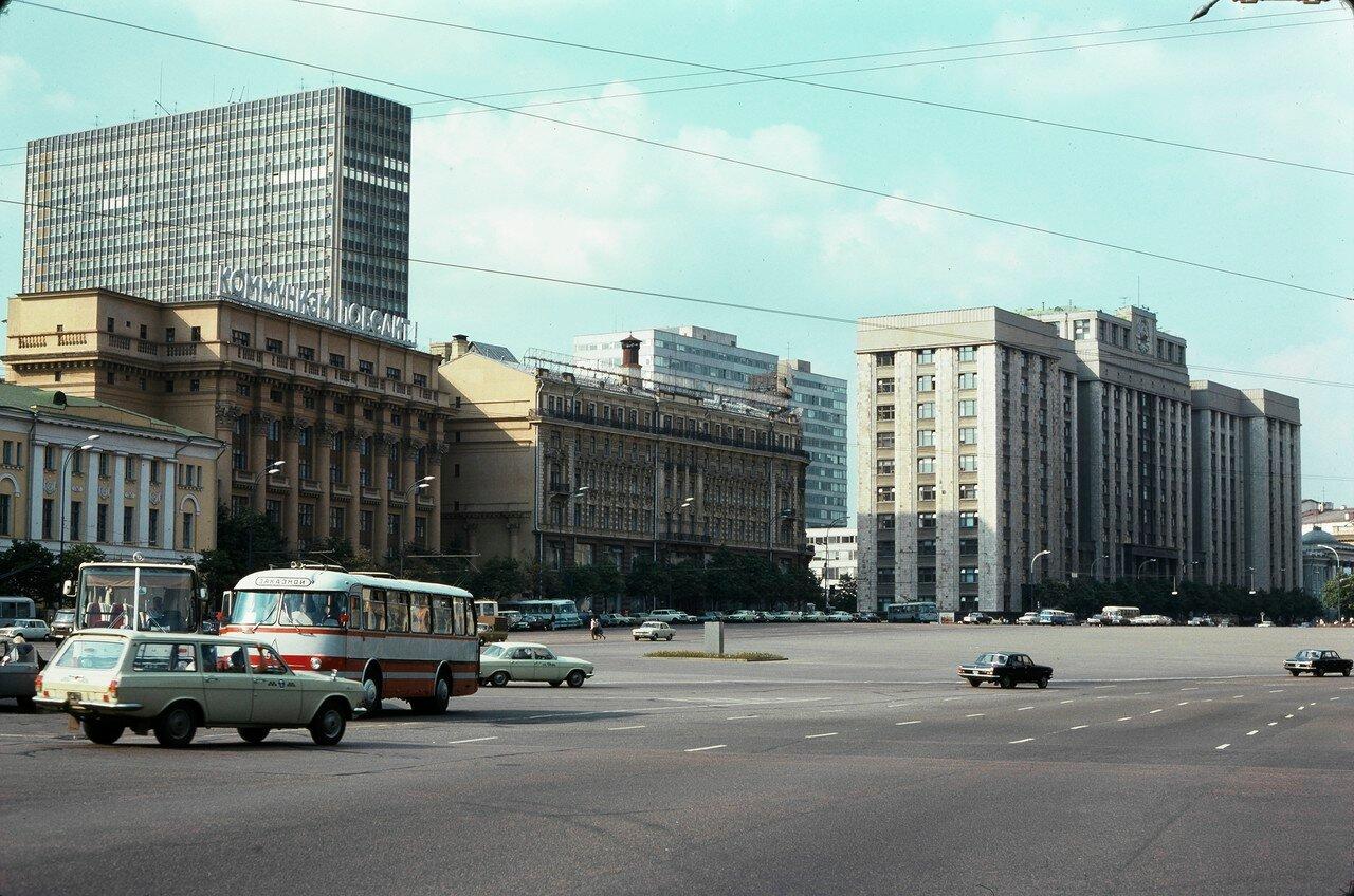 Площадь Октябрьской революции, отель Интурист