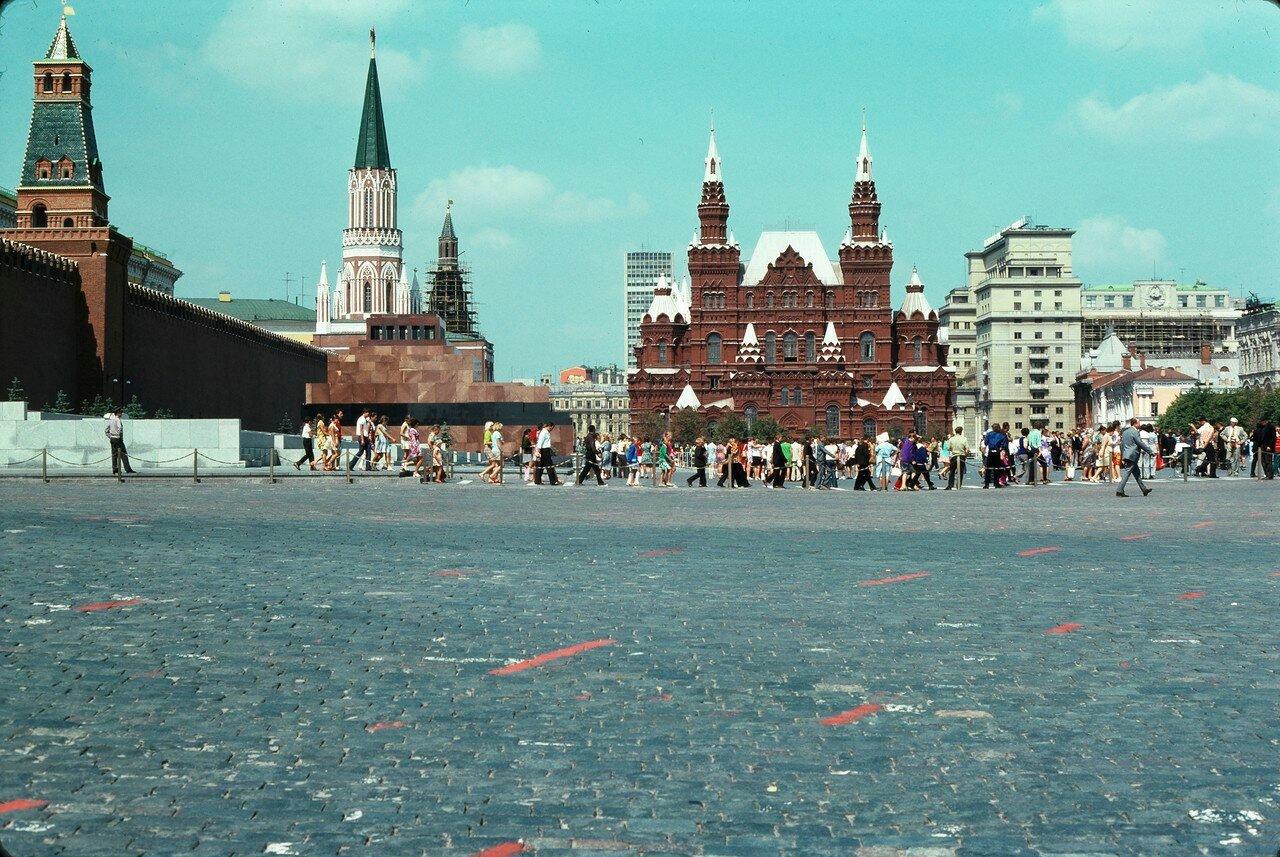 Красная площадь, очередь в Мавзолей Ленина