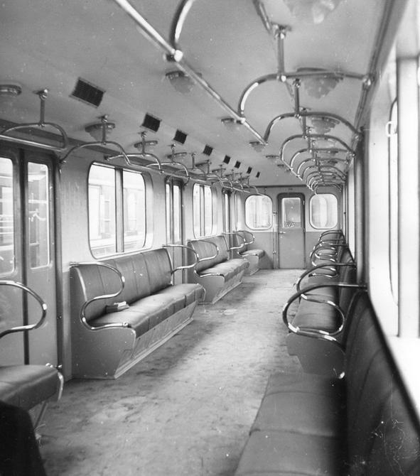 1960.10.10. Внутренний вид вагона на 260 пассажиров.