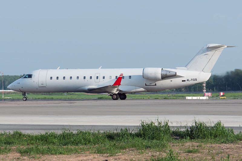 Bombardier CRJ-200LR (4L-TGS) Airzena DSC0567