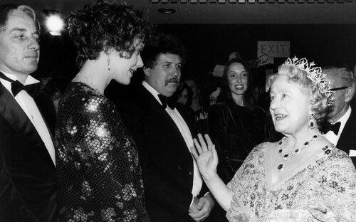 Сильвия Кристель и королева-мать