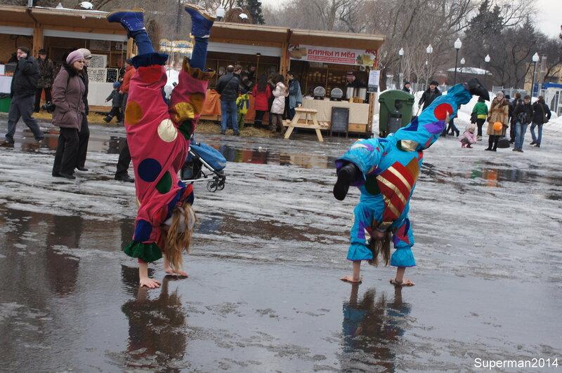Масленица и парад в честь деня Святого Патрика в парке имени Горького