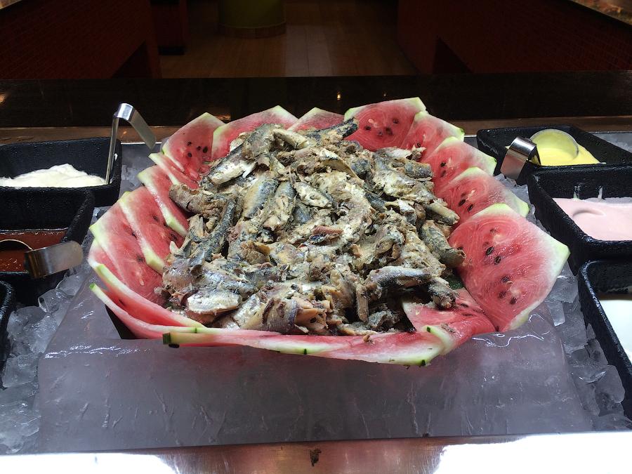 Арбузы с сардинами