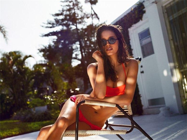 модель Эмили ДиДонато / Emily DiDonato, фотограф Matteo Montanari