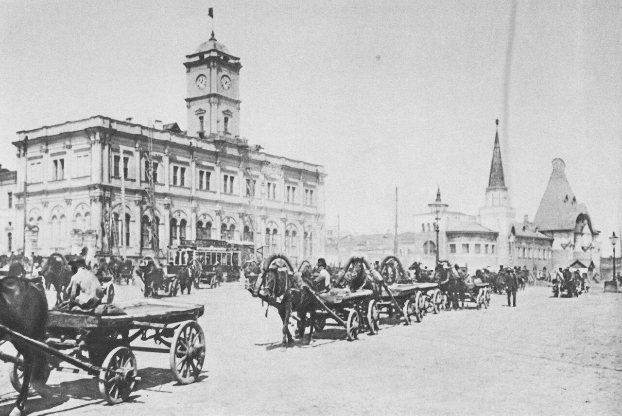 2. Каланчевская (ныне Комсомольская) площадь. 1928.
