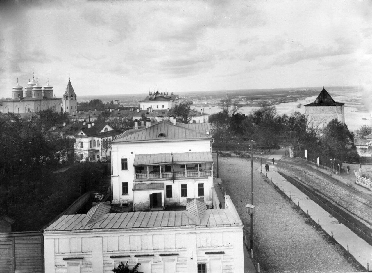 Вид с колокольни Георгиевской церкви