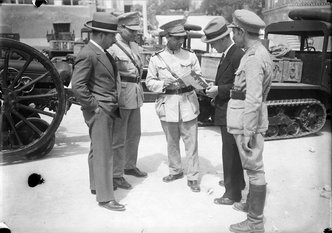 Представители правительственных войск