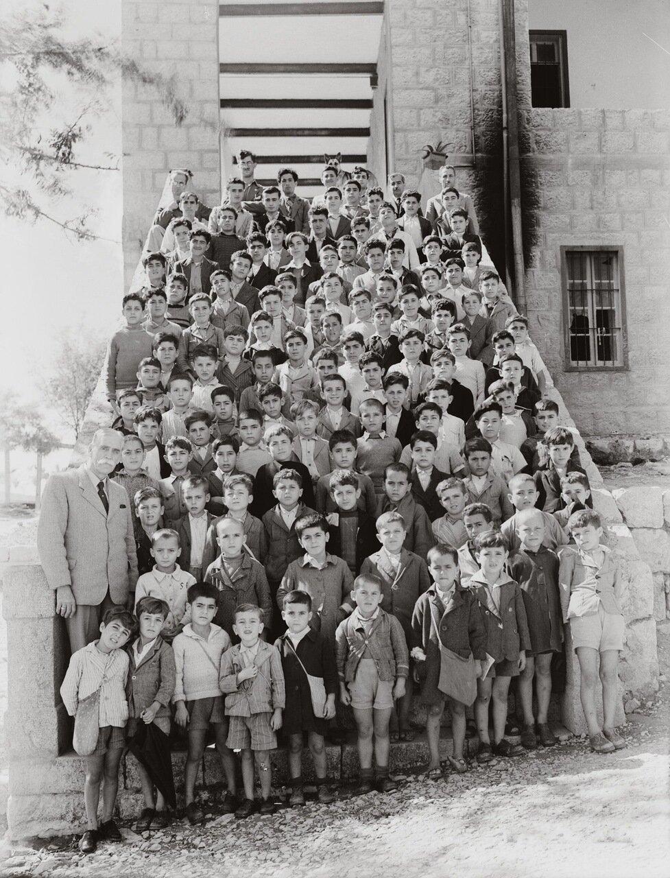 Школа г-на Оливера. Рас-эль-Матн, Ливан. 1940-1946 гг.