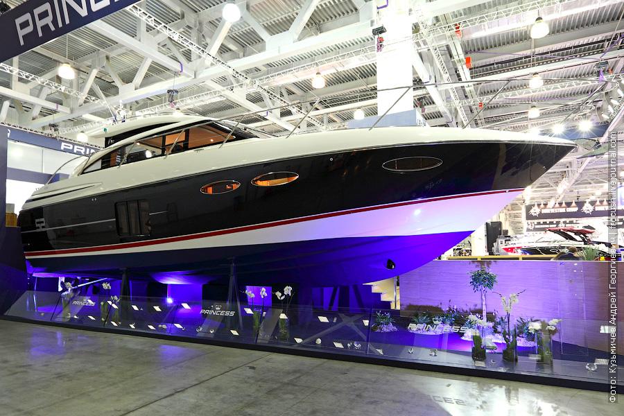 Яхта «Princess V52»