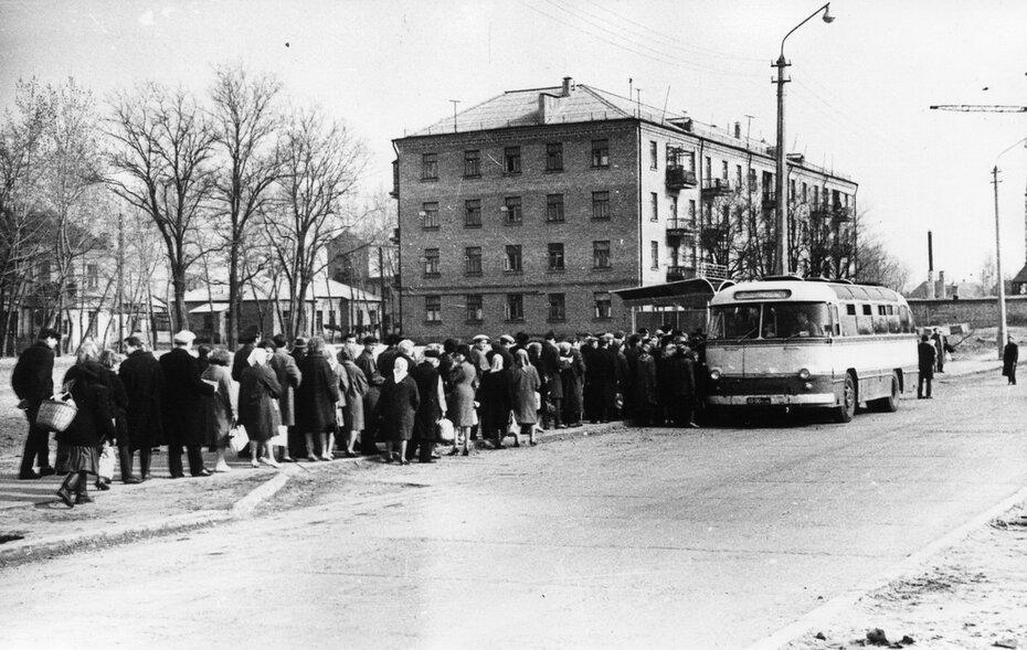 1960-е, вт.пол. Левобережный массив, улица Марины Расковой. Фото: Юдин В.П.