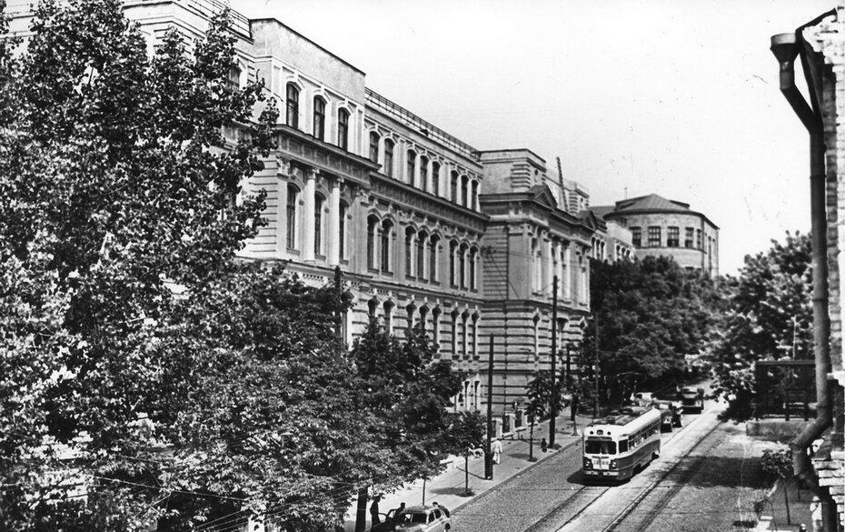 1955. Улица Воровского