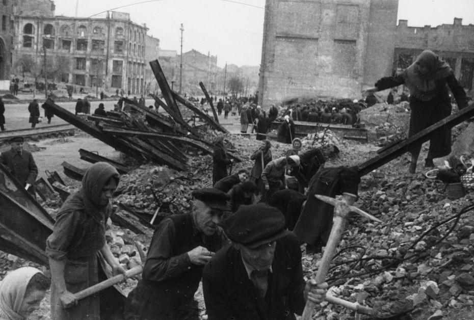 1944. Разбор завалов на Хрещатике