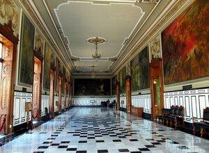 Холл Паласио де Гобьерно (Дворец Правительства)