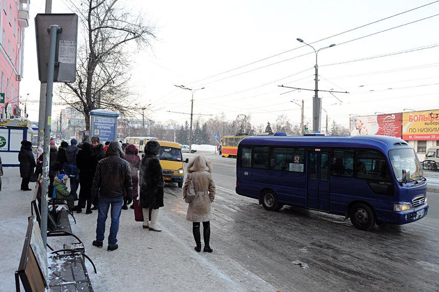 Оралдың автобус жүргізушілері жолаушыларды күттіріп қоятын түрі бар