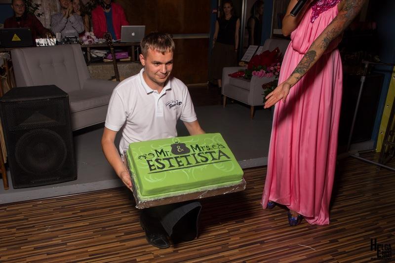 большой бисквитный торт