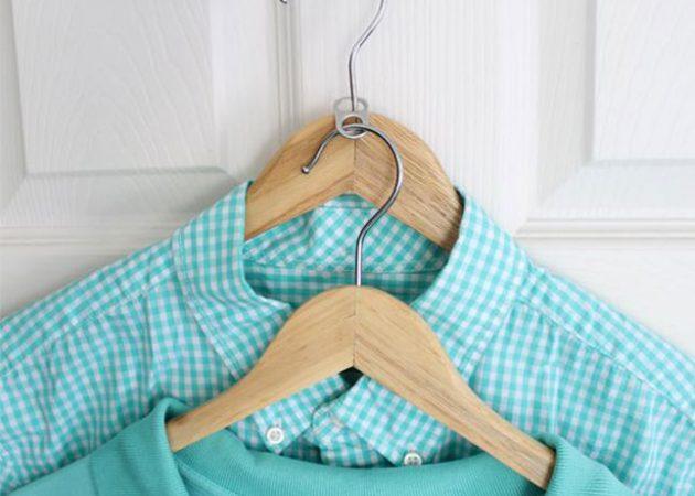 Не хватает места? Это простое решениепоможет вдвое увеличить количество вешалок в шкафу.  2.