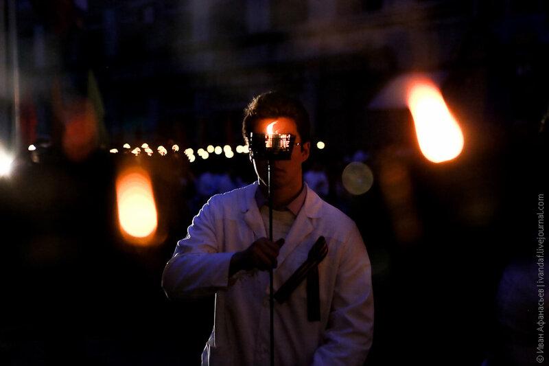 Факельное шествие студентов-медиков ко дню Победы