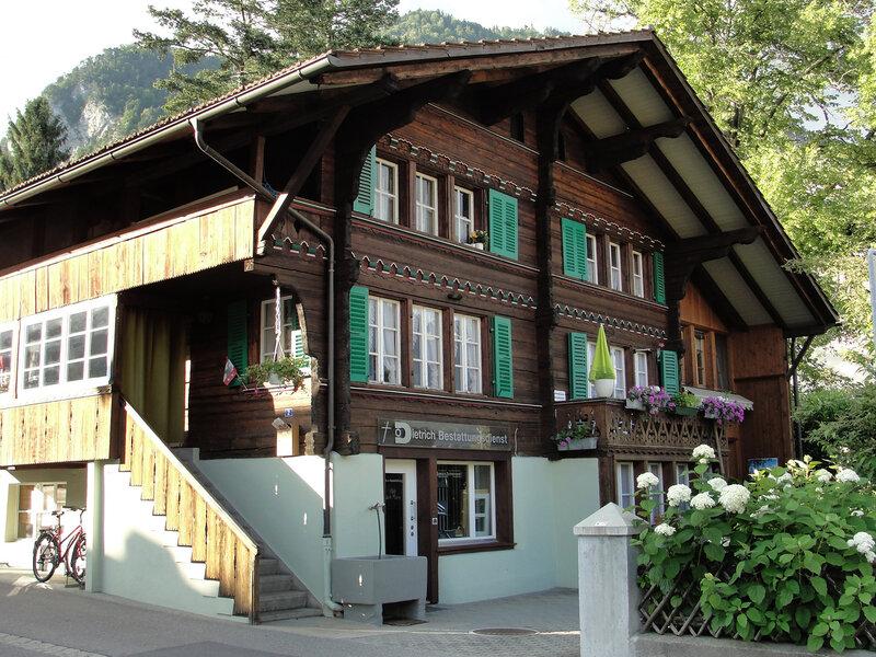 Unterseen. Отель Chalet Swiss