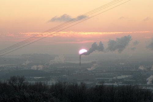 зимний закат над городом