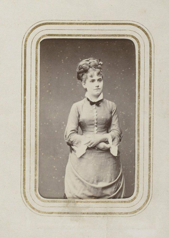 Ева Гонсалес (19 апреля 1849, Париж — 5 мая 1883, Париж) — французская художница-импрессионистка