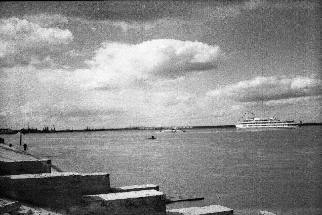 Май 1967. Берег Волги.