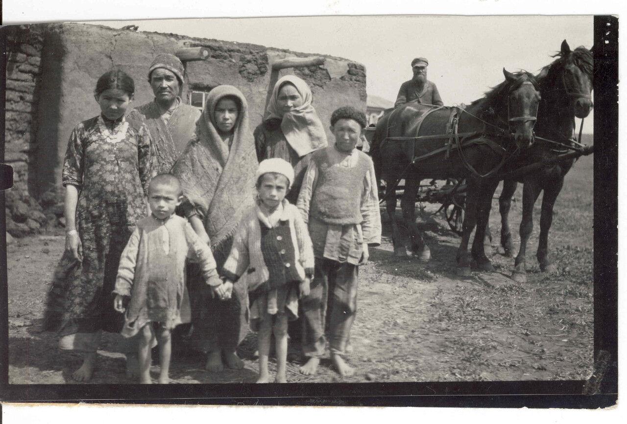 Типичная башкирская семья