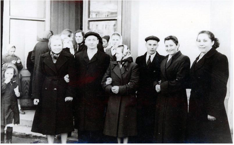 Молодые работники ТЭЦ-3 конец 50-х гг. ХХ века