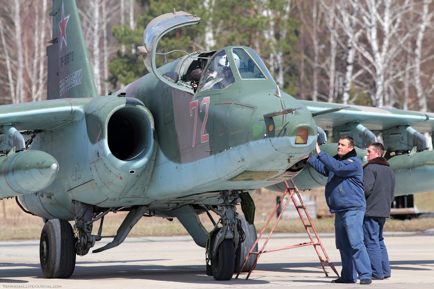 Sukhoi Su-25 Frogfoot - Page 3 0_b98b4_88de05f1_orig