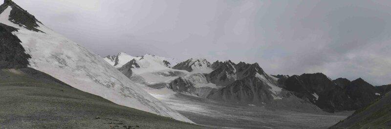 Мельников Сергей, Перевал Аксу Северный. Вид на ледник Восточный Аксу, бассейн Чон-Кемина