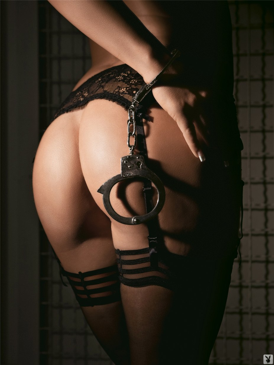 Фото секс з наручниками 17 фотография