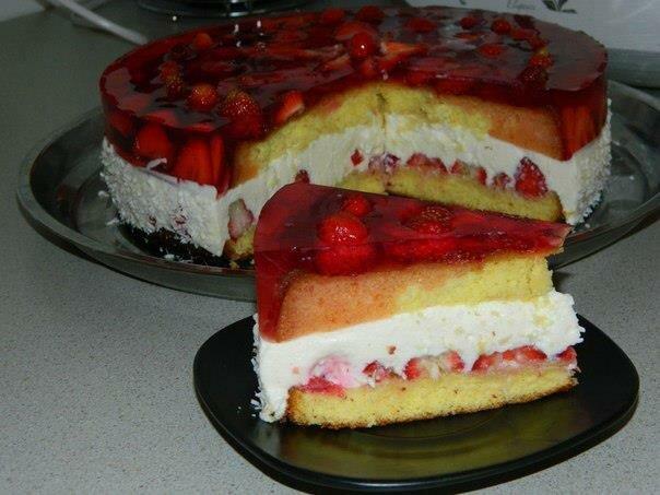 Творожно клубничный торт рецепт