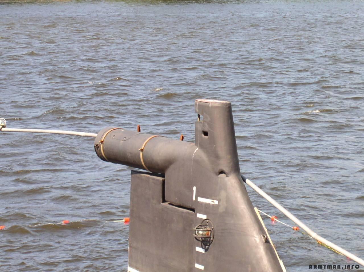телескопическая антенна на подводной лодке фото это