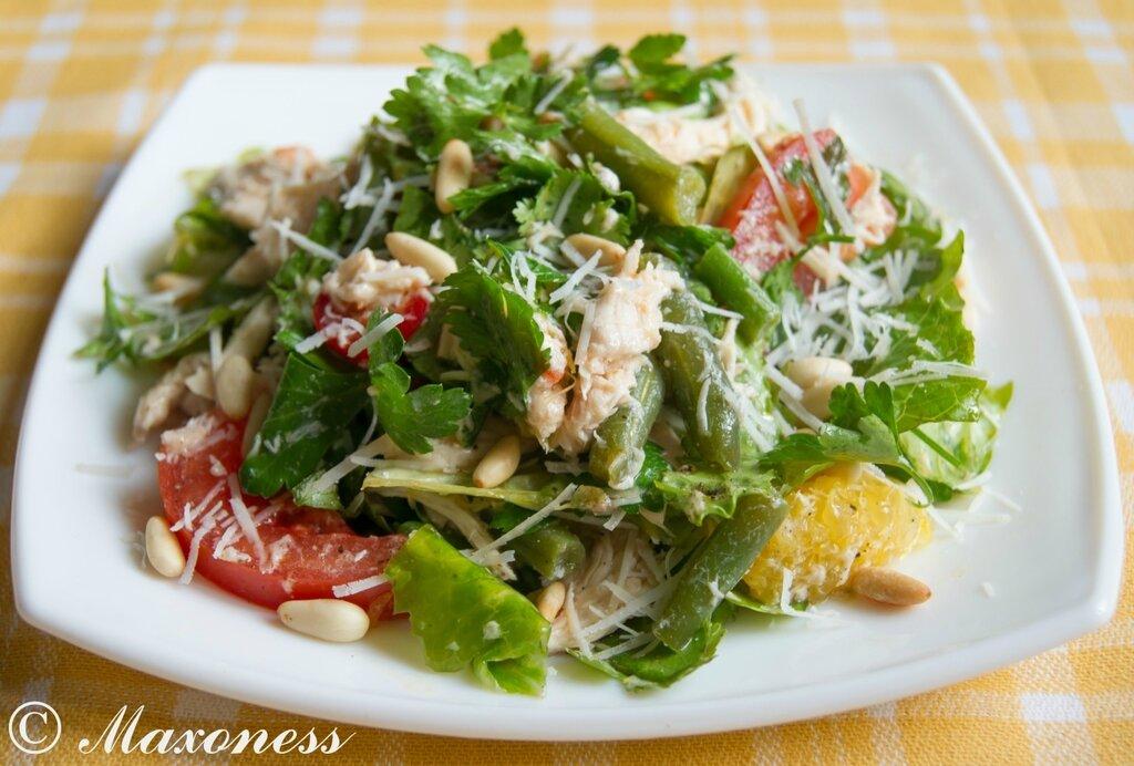 Салат из отварной курицы с фото