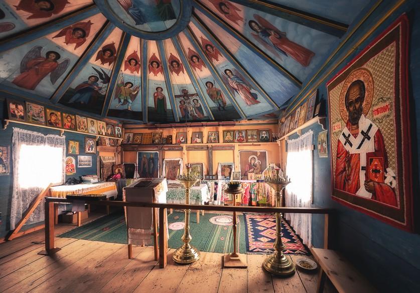 Вместном музее можно ознакомиться скультурой ибытом Кенозерья.