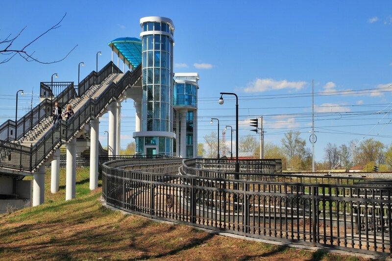 Боголюбово, пешеходный мост через железную дорогу