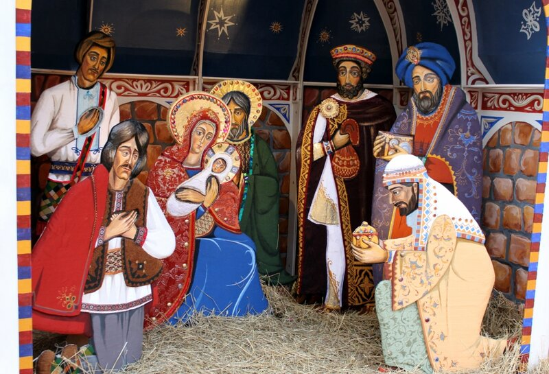 Волхвы подносят дары Младенцу Иисусу